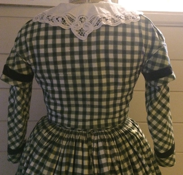 1840s Reproduction Green Plaid Bodice Back