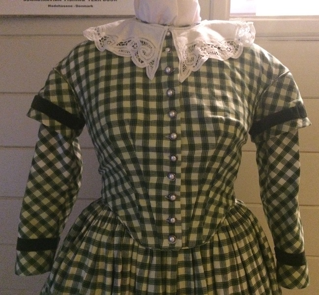 1840s Reproduction Green Plaid Bodice Front